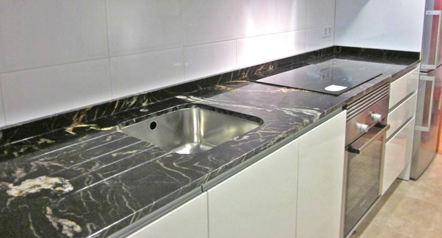 Encimeras de cocina valencia marmoles cazorla for Encimera cocina marmol o granito