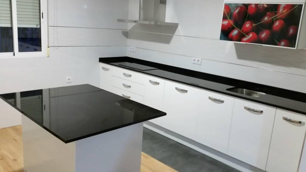 Encimera marmol cocina modelo line e blanco encimera granito precio colocar o cambiar - Encimera marmol ...